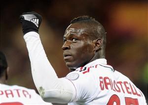 Балотелли рассчитывает остаться в Милане