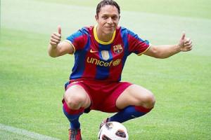 Милан интересуется защитником Барселоны