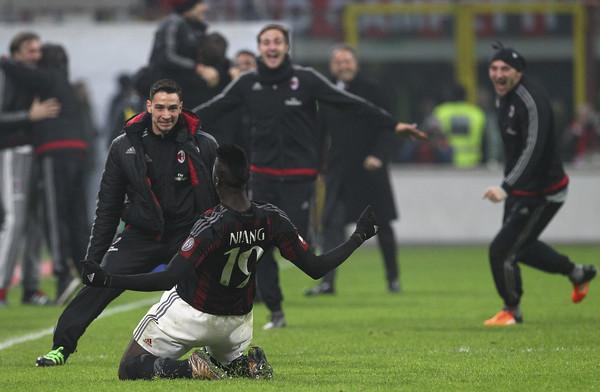 AC+Milan+v+FC+Internazionale+Milano+Serie+8yOvuy4sfH8l