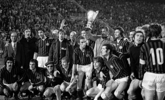 AC Milan players with the Cup Winner Cup. AC Milan v Leeds United, Salonika, Greece. 16/05/1973. Credt: Colorsport