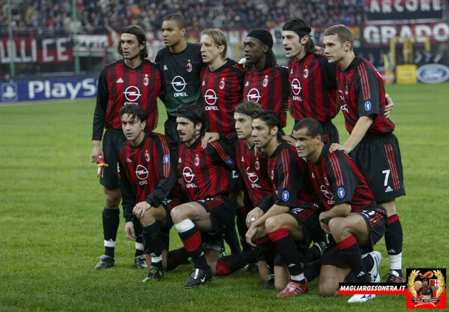Football - UEFA Champions League , Phase 2 Group C - AC Milan v Real Madrid , 26/11/02 AC Milan Team line up Mandatory Credit:Action Images / Alex Morton