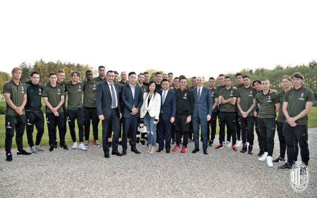 Командное фото с новым руководством