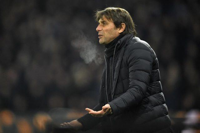 Антонио Конте Тренирует Челси (Англия), контракт до лета 2019 года