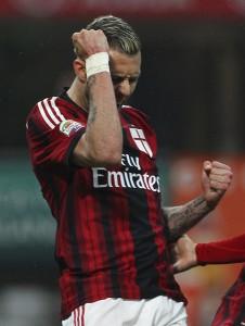 AC+Milan+v+Cagliari+Calcio+Serie+bdqs2XXF7ZTl