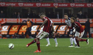AC+Milan+v+Cagliari+Calcio+Serie+mZ-tCMw0NVsl